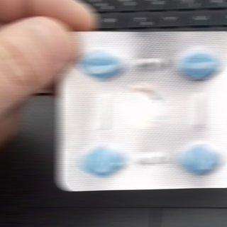 Evde bulduğu cinsel uyarıcı ilacı içen çocuk yaşam mücadelesi veriyor
