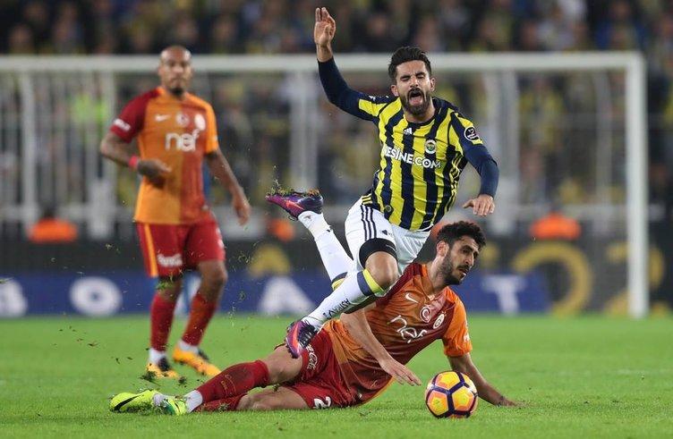Fenerbahçe-Galatasaray derbisinden kareler