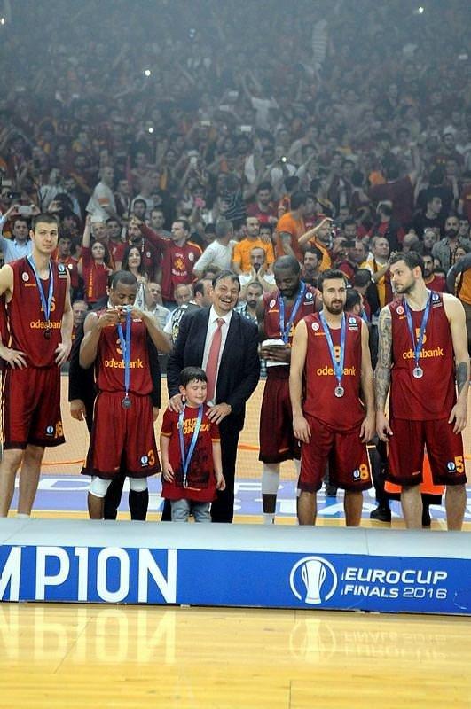 Galatasaray sosyal medyayı salladı