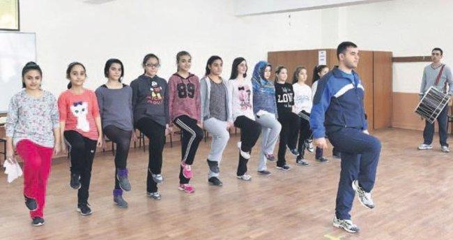Mamak Belediyesi Konservatuvarı eğitimlere başladı