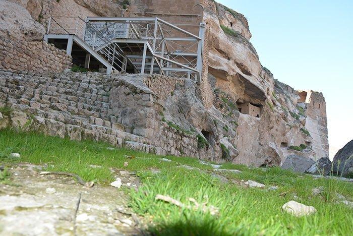 Hasankeyf, tarihi ve kültür varlıkları ile taşınacak