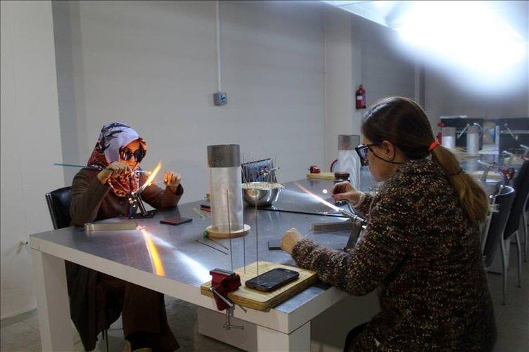 Ağrılı kadınlar cam sanatıyla buluştu
