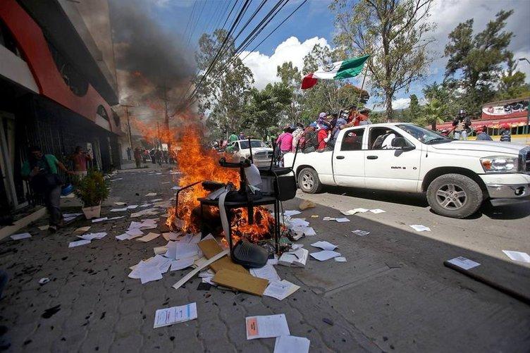 Meksika'da eylemler sürüyor