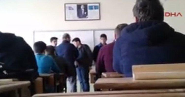 Sivas'ta dayakçı öğretmen açığa alındı