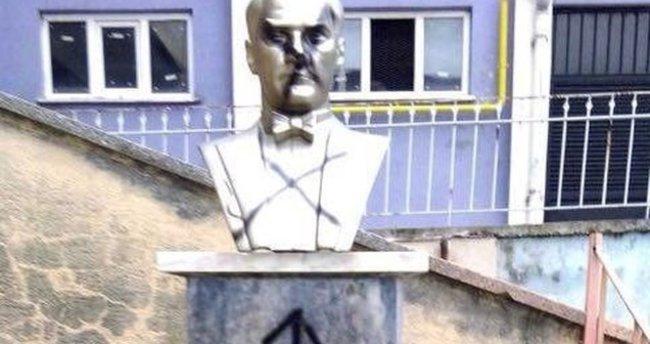 Atatürk büstlerine saldıran zanlı yakalandı