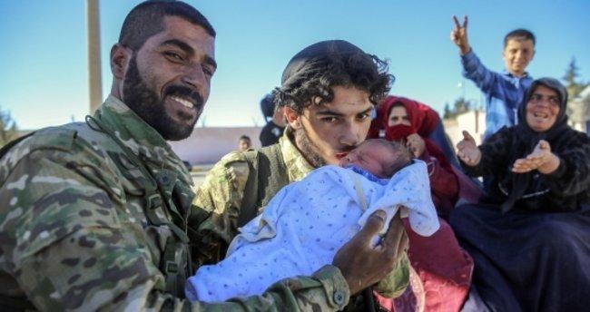 Cerablus'a dönen Suriyelilere 'şefkat eli'