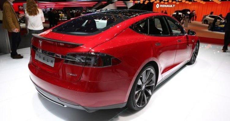 Tesla 25 bin araçla rekor kırmıştı!