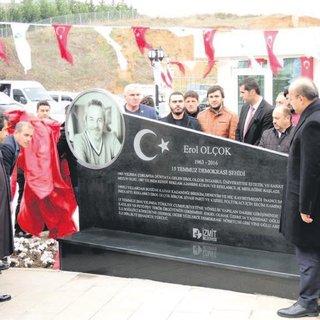 Kocaeli'nde Erol Olçok anıtı açıldı
