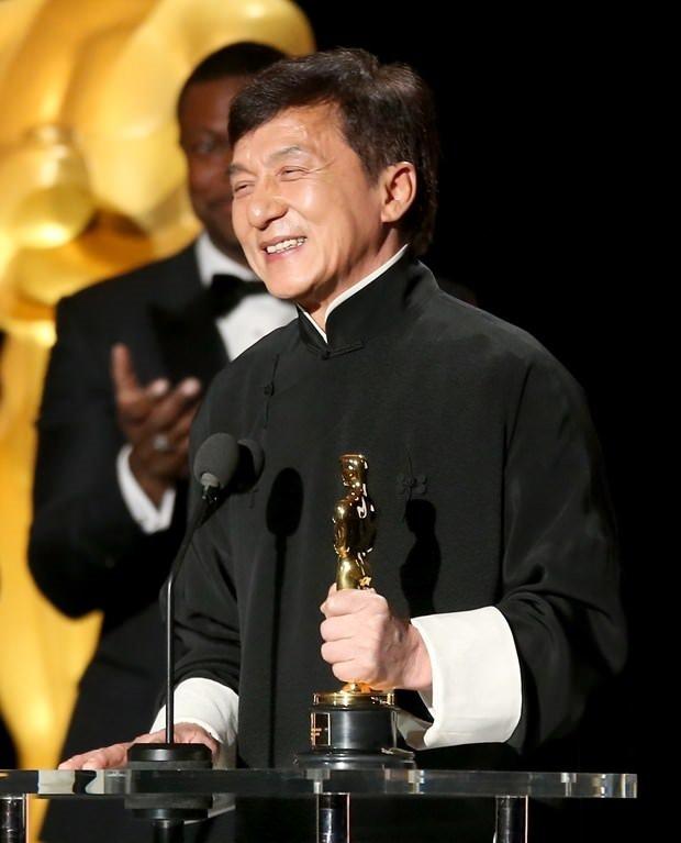 Jackie Chan'e onursal Oscar ödülü
