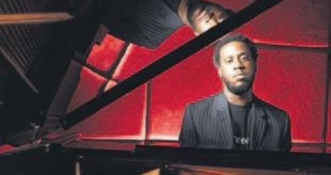 Caz piyanisti GlasperAnkara'da konser verecek