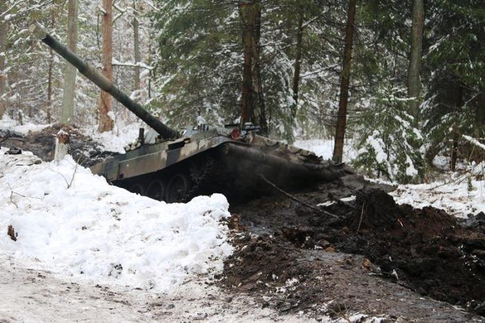 Tanklar çamura saplanınca...