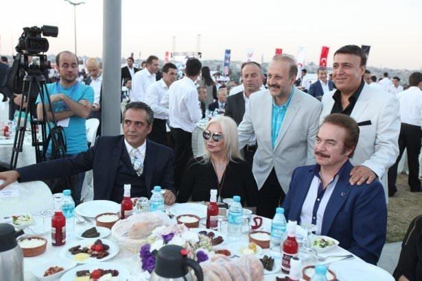 AK Parti iftarına ünlü akını