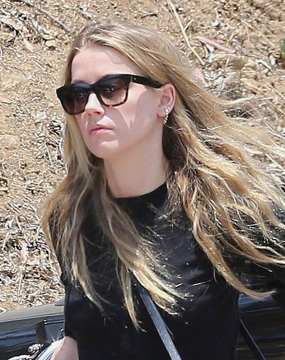 Amber Heard arkadaşına sarılıp sokağın ortasında ağladı