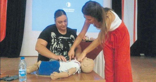 Öğretmenlere temel ilk yardım eğitimi