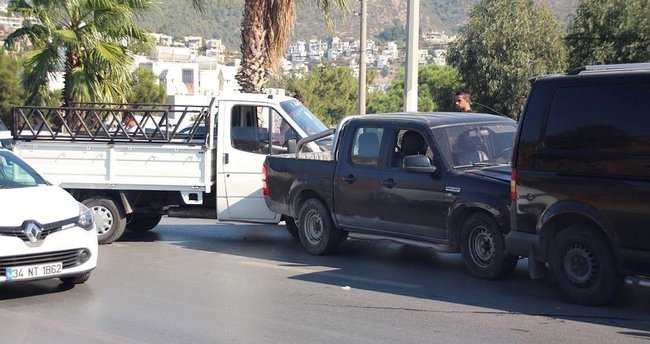 Bodrum'da 9 araç birbirine girdi