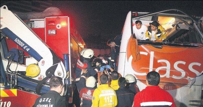 Yağmur kazasında can pazarı: 1 ölü, 3 yaralı