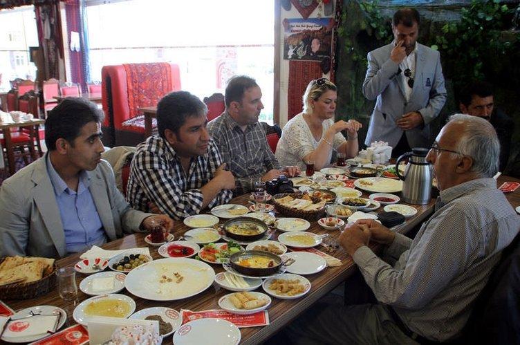 Van'da dünyanın en kalabalık kahvaltı sofrası