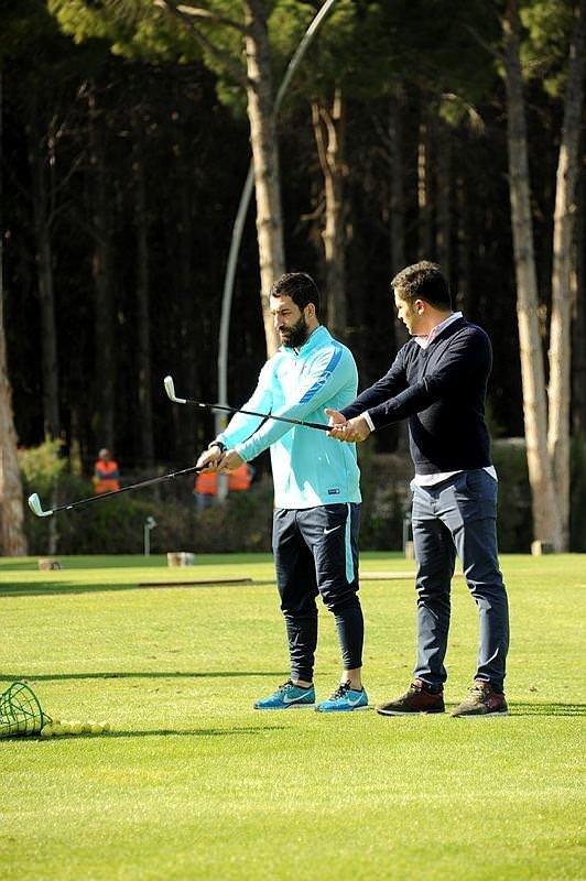 Arda Turan golf eğitimi aldı