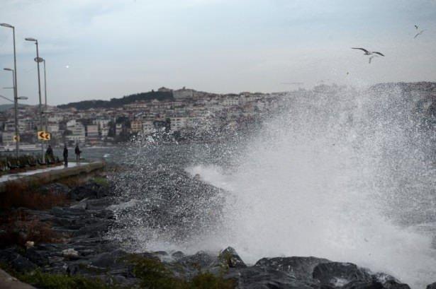İstanbul'da kuvvetli lodos