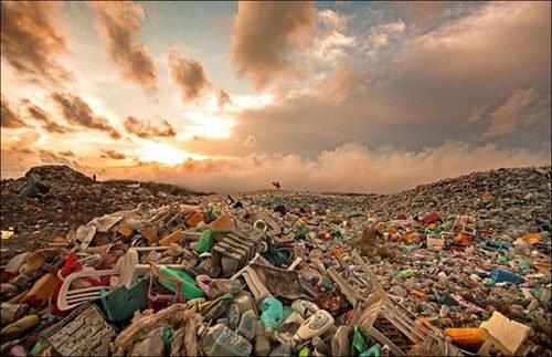 Tatil cenneti çöp adasına dönüştü