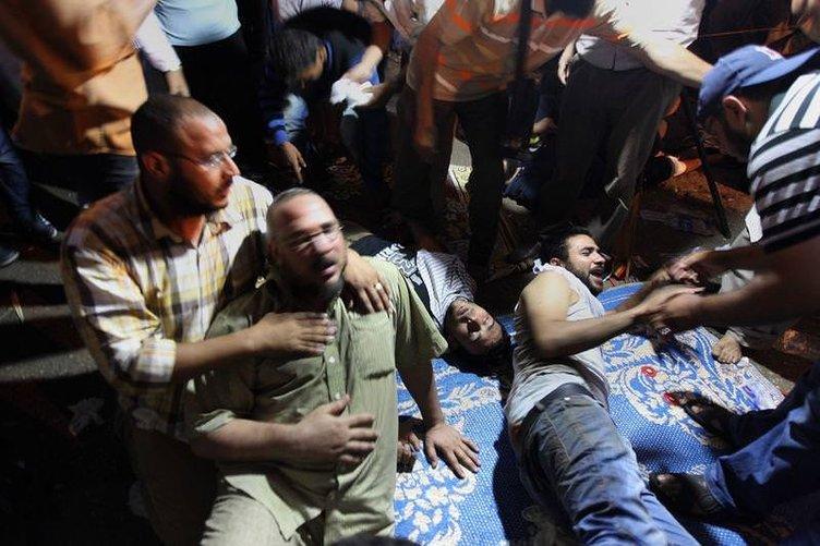 Mısır ordusu katliama başladı
