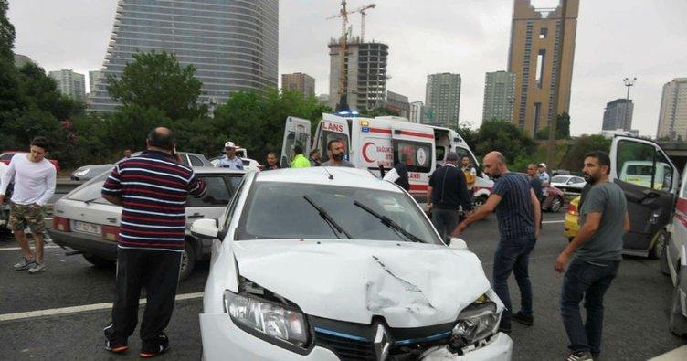 TEM'de zincirleme kaza...Trafik kilitlendi!