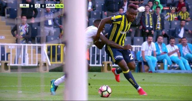 Fenerbahçelileri kızdıran penaltı kararı!