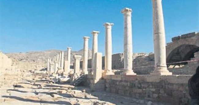 Tripolis'te atölye ve depolar bulundu
