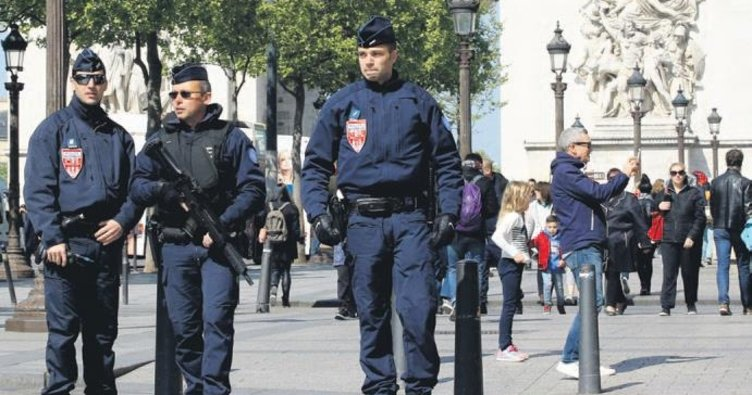 Fransa'da terör gölgesinde seçim