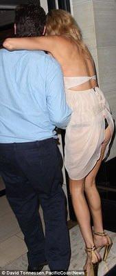Elbisesine hakim olamadı