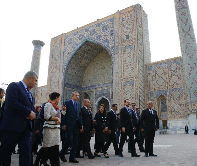 Erdoğan İmam Buhari'nin kabrini ziyaret etti