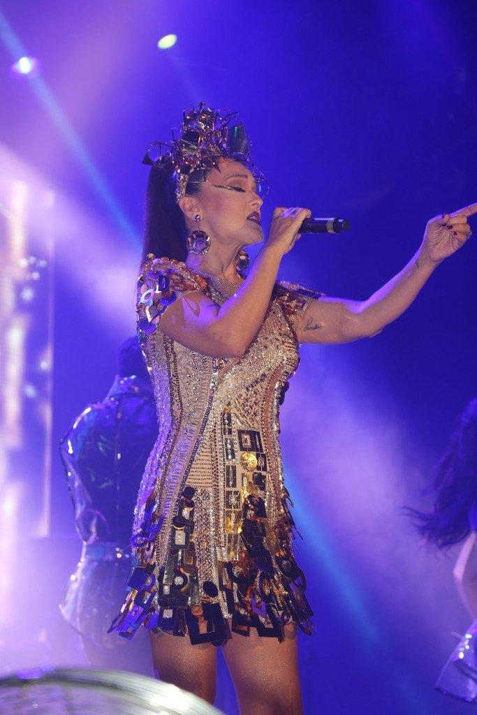 Demet Akalın'dan ezeli rakibi Hande Yener'e yanıt