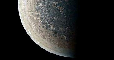 Jüpiter'in ilk kez yayınlanan görüntüleri şaşırttı