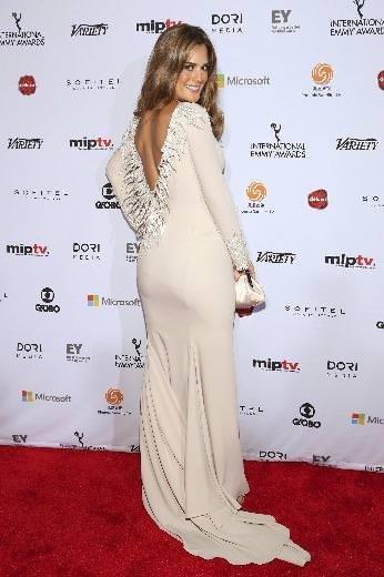 2014 Uluslararası Emmy Ödülleri töreninde şıklık yarışı