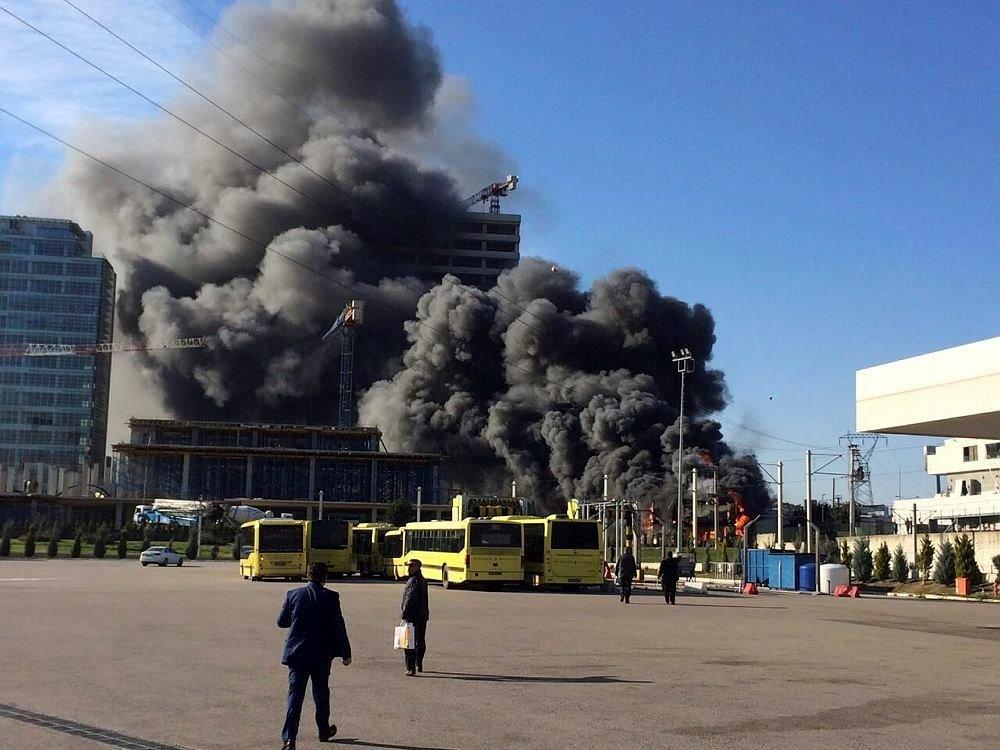 Bursa'da şantiye yangını!