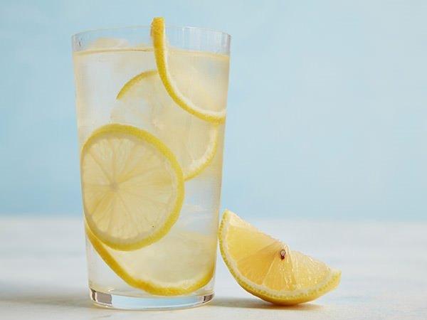 Limonlu su faydalı mıdır?