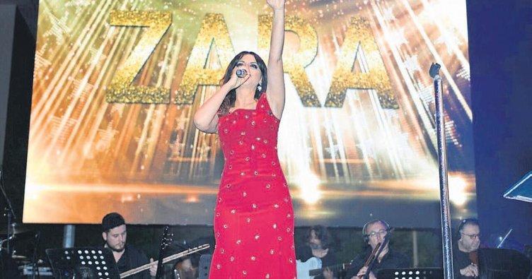 Zara, Balıkesir'de sesiyle büyüledi