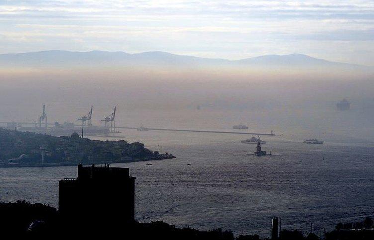 Fotoğraflarla İstanbul'da sis