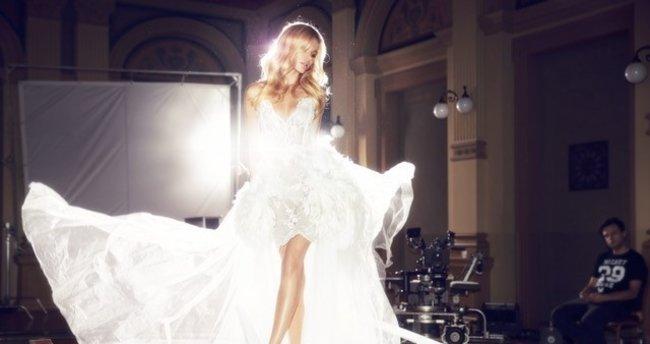 Ünlü model Alicja Ruchala ilk şarkısına klip çekti