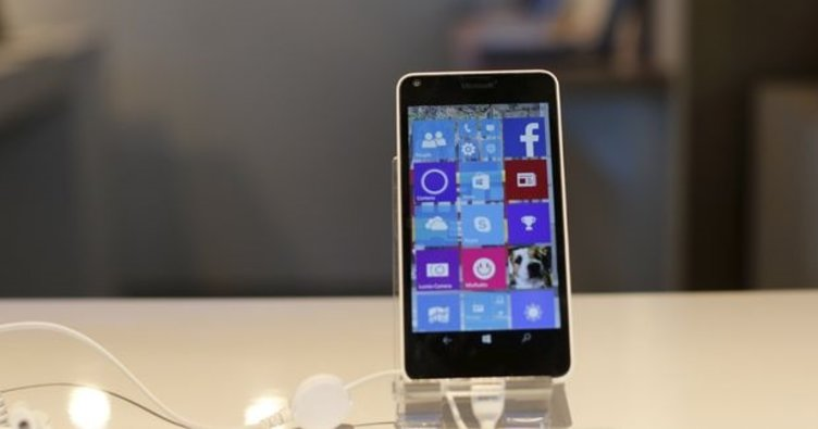 Microsoft Windows Phone'u bitirdi