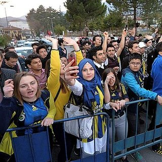 Fenerbahçe`ye Karabük`te protestolu karşılama