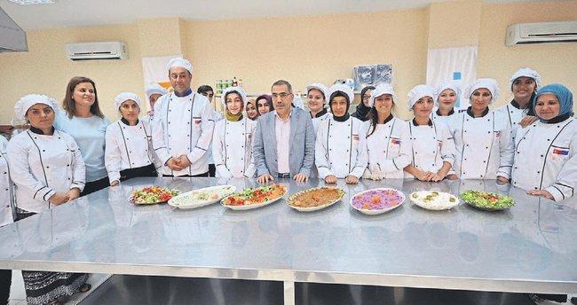 Yüreğir'den sektöre profesyonel aşçılar