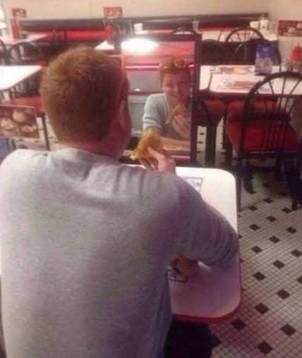 Sosyal medyada yalnızların görüntüleri