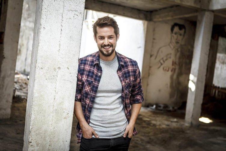 Kertenkele'nin yakışıklı oyuncusu Ahmet Kayakesen