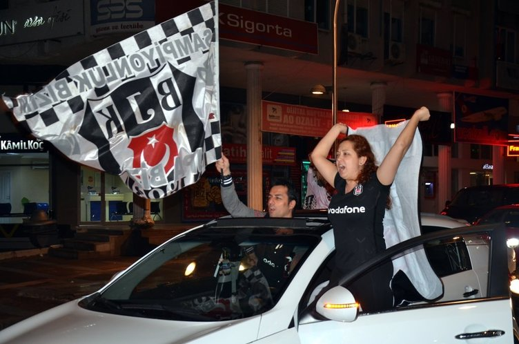Beşiktaş-Liverpool maçının ardından taraftarlar sokaklara döküldü