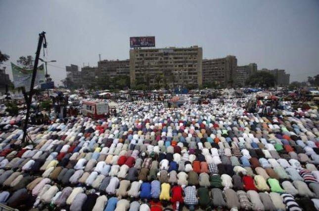 Mursi'ye büyük destek