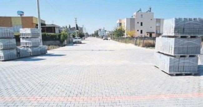 Yeni Mahalle'nin yollarına parke taşı