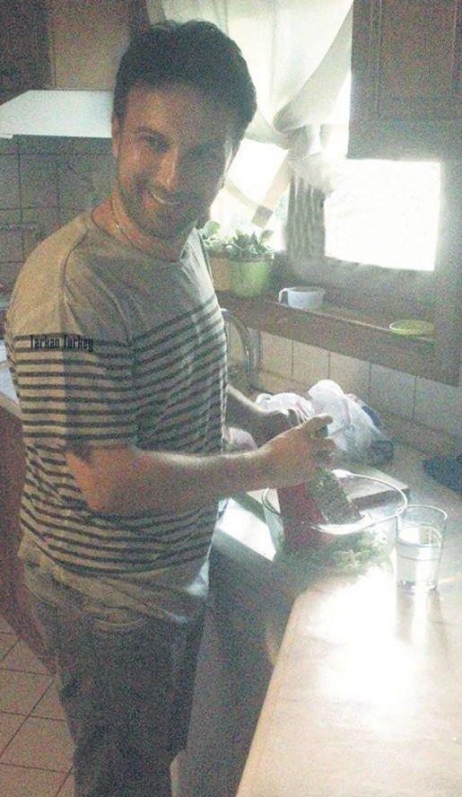 Megastar Tarkan mutfağa girdi