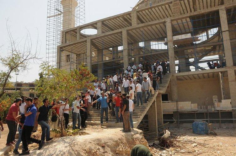 Cami inşaatında feci kaza