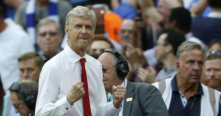 Arsenal, Wenger'le devam dedi!